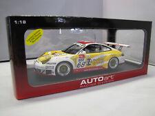 80582 AUTOart Porsche 911 GT3 RSR (996) Nr. 68 - FIA GT  2005  - 1:18