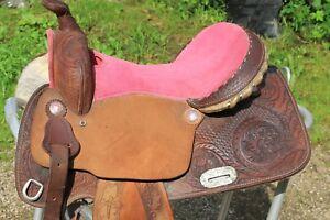 Western  SATTEL    in Pink    für   Deko  Barhocker