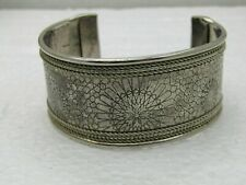 """Vintage 1-1/8"""" Wide Cuff Bracelet, 7.5"""", Stamped Design, Rope Accent, Silver Ton"""