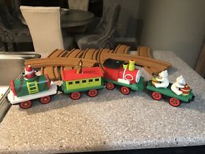 Battat Santa's Choo-Choo Train All Aboard Christmas Santa Animated Locomotive
