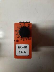 FOXTAM CONTROLS YRC F 0.1-3s  110V AC TIME DELAY RELAY