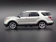 2013 FORD EXPLORER 4WD SUV 1:64 COLLECTIBLE DIORAMA DIECAST MODEL CAR