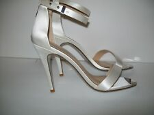 CHINESE LAUNDRY WOMENS SHOES IVORY SANTIN ANKLE STRAP SILVER TOE SIZE 10