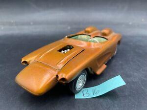 B16 Vintage Corvette Custom from the 60s built 1/25 MODEL Car McM