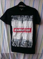 Mens T-Shirt Cedarwood State Black Graphic Manhattan Size XS 100% Cotton