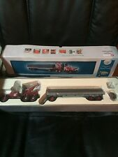 2000 Corgi Texaco Pipeline Truck and trailer NIP  Diamond T980 Wrecker & Trailer