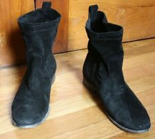Frye 8.5 B Black Suede Leather Cara Short Pull-On Flat Boots