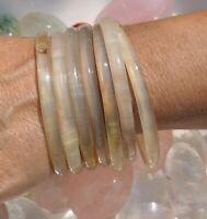 B654 Bracelet SEMAINIER 7 anneaux en corne naturelle 70mm bijou art africain