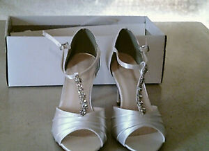 David's Bridal High Heel Shoes, white, size 7.5 M, new still in box,