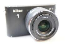 Nikon J  1  mit Nikkor 1 10-30mm - 1:3,5-5,6 VR  -  sehr gut -