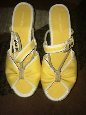 NEW - Nine West Size 8 Yellow and White Wedged Sandals