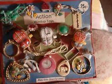 VINTAGE GUMBALL/VENDING ACTION WIND UP TOYS 25 CENT DISPLAY CARD