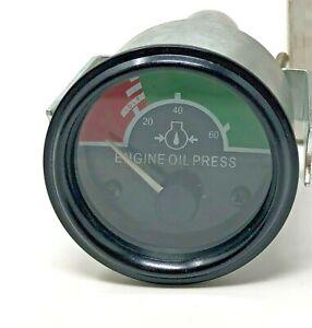 AT104656 Engine Oil Pressure Gauge New Replacement for John Deere