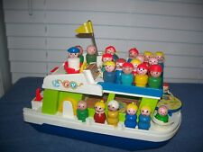 Vintage Lot of Fisher Price Little People & Happy Family Houseboat Boat #985