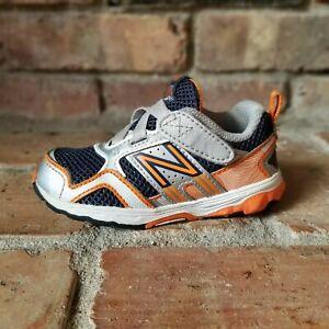 New Balance 695 Sneakers Size 7 Grey Orange Blue Silver KV695 Hook n Loop Slip