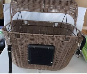 Solvit Outdoor Wicker Bicycle Basket Pet Carrier Portable Bike Seat. Never Used