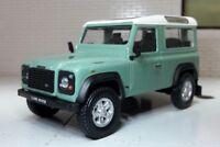 1:43 Scale Model Land Rover Defender 90 Station SWB TDi TD5 Heritage Cararama