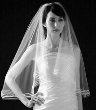 Accessoire mariage : Voile mi long blanc , bordé de 3 bandes satinées