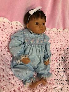 """Adorable 1998 Lee Middelton Baby Doll dark brown eyes & hair 18"""""""