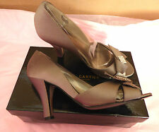 Roland Cartier UK8 EU41 beige satin boxed shoes with diamante front - worn once
