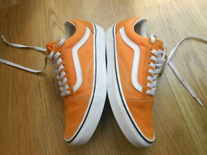 VANS OFFTHE WALL TRAINERS  SIZE UK 7.5