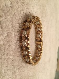 14k Gold And Pearl Bracelet Weighs 23Grams