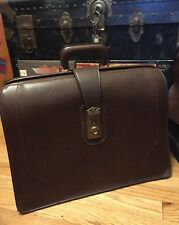 Vintage PEGASUS USA Tan Belting Leather Lawyer Briefcase / Doctor Bag.