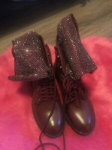 Womens burgundy contrast boots size 5