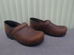 DANSKO SANITA CLOSED CLOGS BROWN LEATHER EU40