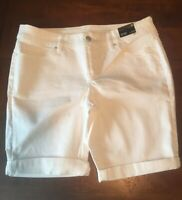 NEW A.N.A Women's  Denim Bermuda White Stretch Shorts Size 10 NWT
