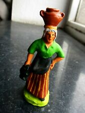 Santon en terre cuite peint Fouque - Porteuse de jarres 6 cm