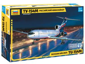 Zvezda 7004 Russian Civil Airliner TU-154M 1/144