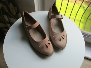 Clarks Somerset Dusty Pink Leather Mary Jane Buckle Heel UK Shoes Size 7 D Flat