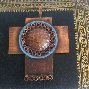 Belle Croix en Bronze émaillé Signée Jean Augis Collection Bijou Religion