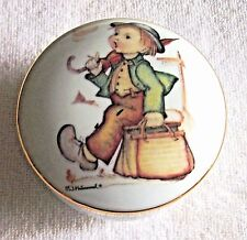 "Rare Vintage Mj Hummel Merry Wanderer Collectors Bowl With Lid 2.5"" Tx 3.25"" W"