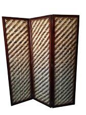 Biombo separador de ambiente compuesto de 3 hojas plegable elaborado en madera