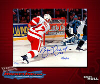 "Brett Hull ""700"" SIGNED & Inscribed Detroit Red Wings 8 x 10 Photo -70058"