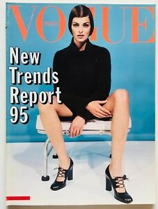 Dossier sfilate autunno inverno Vogue Italia 539 luglio 1995 Linda Evangelista