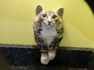 Winstanley Tabby/White Cat Wall Plaque Size 2 (2)
