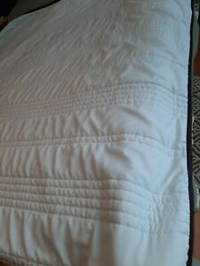 Silk Double Bed summer quilt/bedspread as new mint green