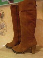 Hoher femininer Stiefel mit RV NEU Gr. 41 F in cognac & weichem Veloursleder
