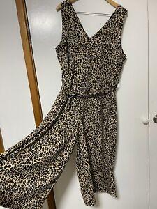 Leopard print plus size Playsuit Jumpsuit Romper Size 22 Stretch Wide leg v neck