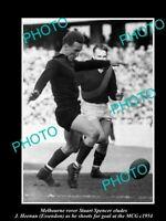 OLD 8x6 HISTORICAL PHOTO OF MELBOURNE DEMONS FC GREAT STUART SPENCER c1954