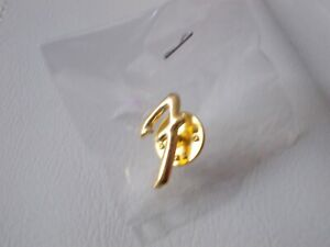 THE FENDER CLUB - 'F' LOGO, RARE COLLECTABLE GUITAR BADGE/PIN, NEW/SEALED, COOL.