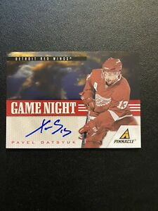 2010-11 Panini Pinnacle Pavel Datsyuk Game Night SSP Autograph