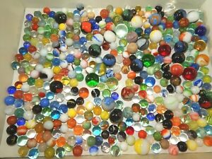 Lot Of 340 Misc. Vintage Akro? Slag? Cat's Eye, Shooter Mix Assort Marbles Swirl
