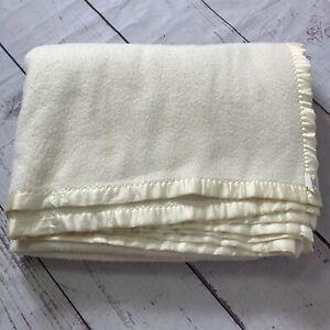 Vintage Fieldcrest Soft Acrylic Blanket Satin Trim Pale Yellow Twin Size USA