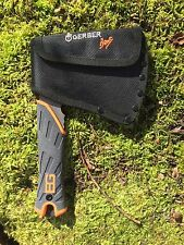 GERBER 31002070 BEAR GRYLLS HATCHET- SURVIVAL MINI AXE - GERBER BACK PACKING BOB