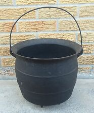 Cauldron Bean Pot Kettle Cast Iron Primitive Witch Halloween 4 Legged Antique