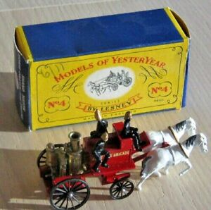 MODELS OF YESTERYEAR  -  No. 4 - SHAND MASON HORSE DRAWN FIRE ENGINE